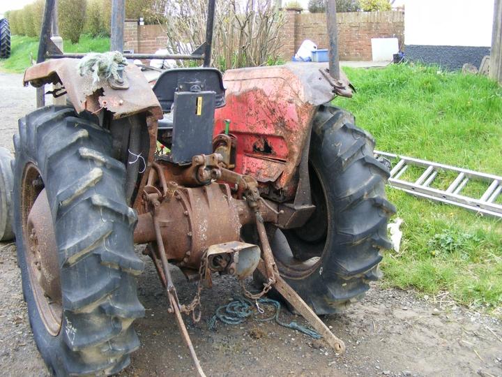 Tractor Restoration Projects : Barnes mf