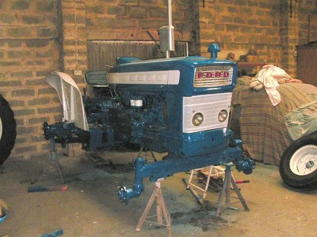 Tractor Restoration Projects : Ford super major